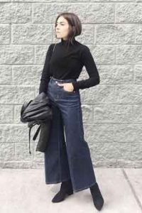 how-should-a-35-year-old-woman-dress-Wide-leg-jeans